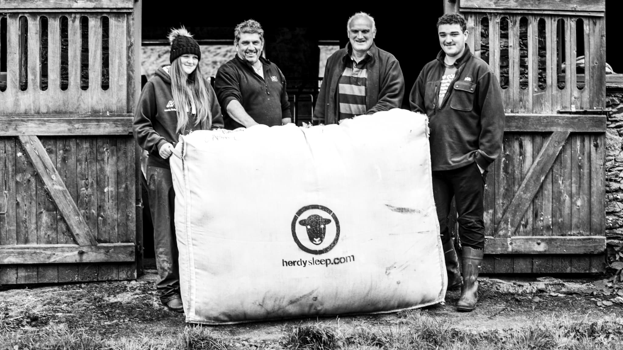 A wool mattress and natural fibres support the farmers