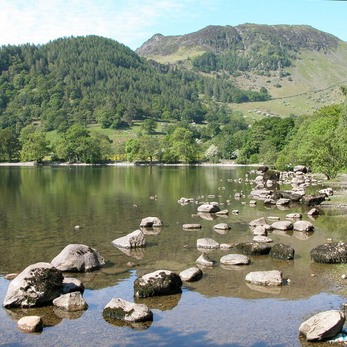 Philip Halling / Sheffield Pike viewed from the shores of Ullswater / CC BY-SA 2.0